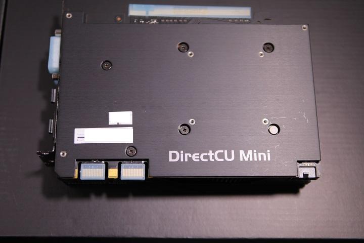 ASUS GTX970-DCMOC-4GD5 バックプレート2