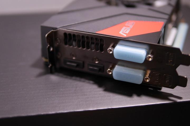 ASUS GTX970-DCMOC-4GD5出力部分