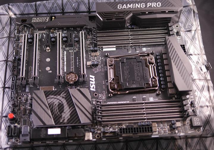 MSI X99A GAMING PRO CARBON開封3