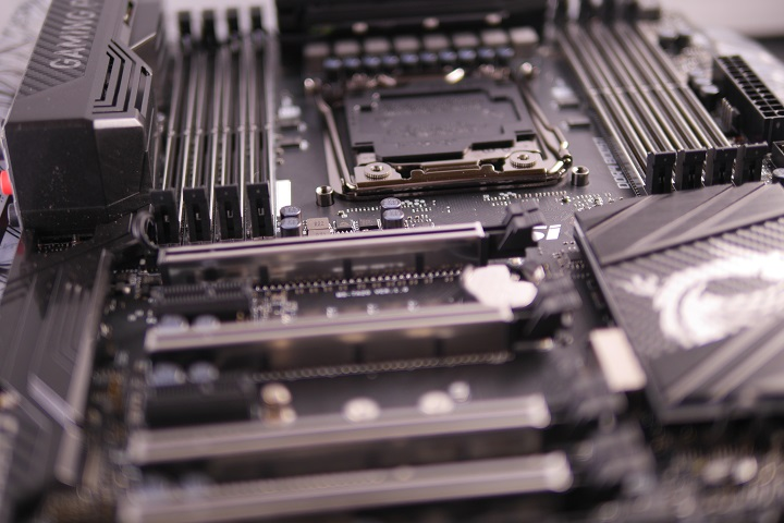 MSI X99A GAMING PRO CARBON CPUソケット