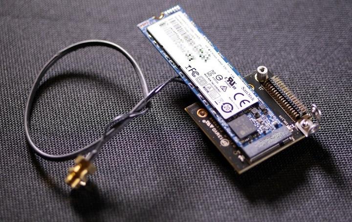 SanDiskZ400s取り付け状態2