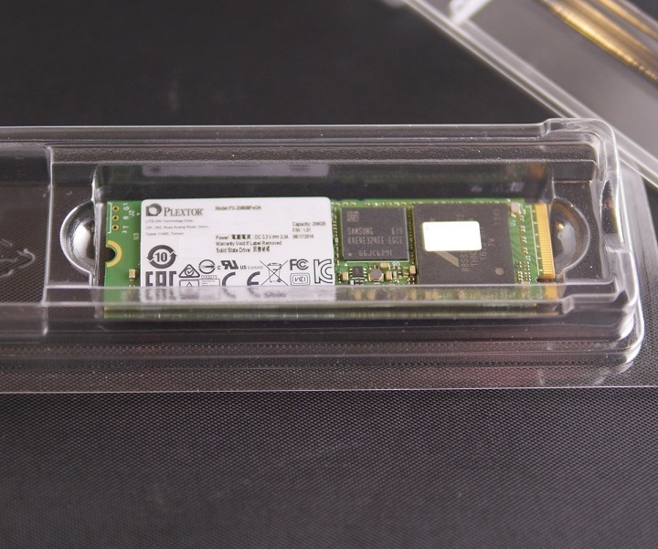PLEXTOR M8PeG-06 256GB開封1