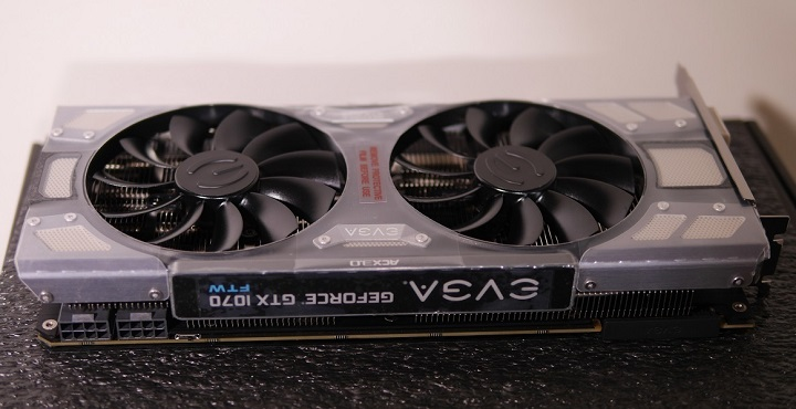 EVGA GeForce GTX 1070 FTW ACX 3.0本体4