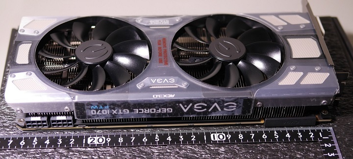 EVGA GeForce GTX 1070 FTW ACX 3.0本体カード長
