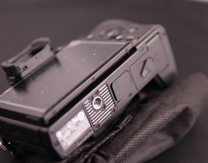 OLYMPUS OM-D E-M1 12-40mm F2.8 レンズキットカメラ本体3