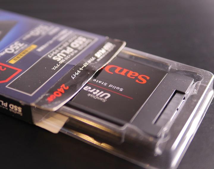 SANDISK SSD UltraII開封1