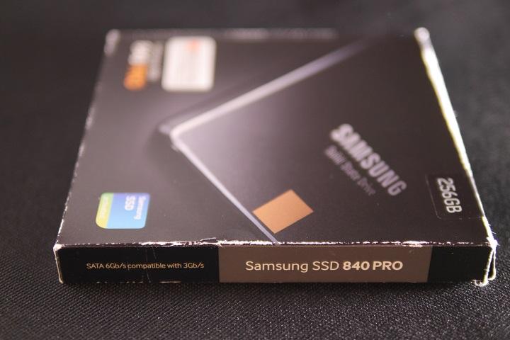 SAMSUNG 840 PRO MZ-7PD256B/IT箱