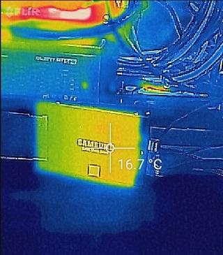 CrystalDiskMark1GiB中の温度