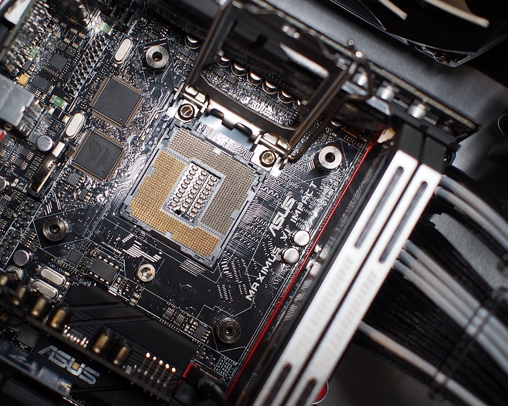 Core i7 4790Kをパソコンに取り付け1