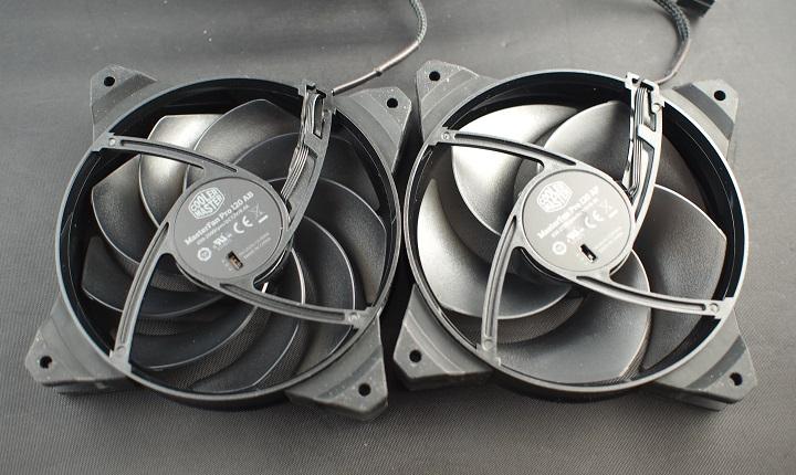 CoolerMaster MasterFan Pro120シリーズ本体2