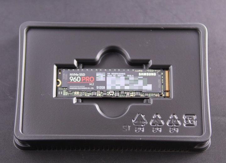 SAMSUNG 960 PRO M.2 MZ-V6P512B/IT開封3
