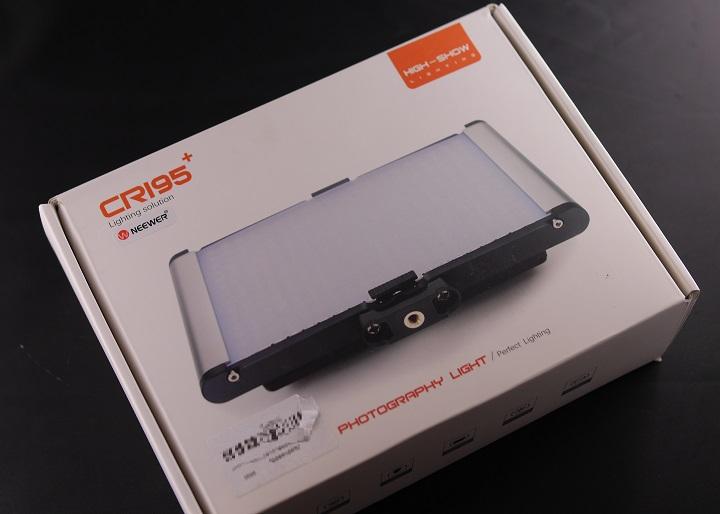 Neewer LEDライト CRI95+箱