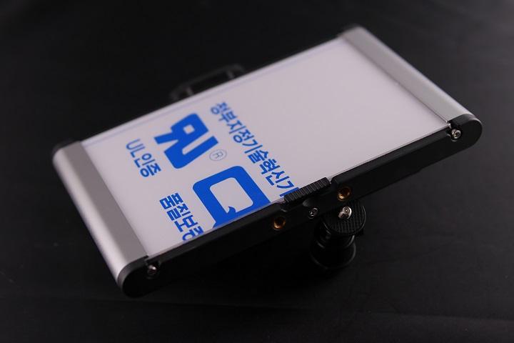 Neewer LEDライト CRI95+本体4
