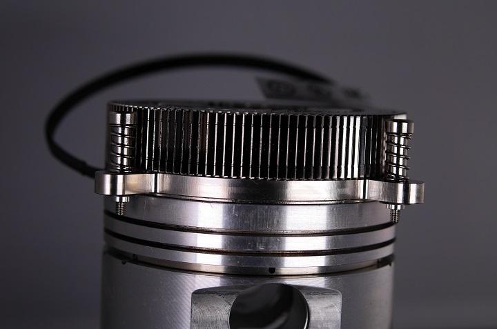 Thermaltake Engine 27とピストン1