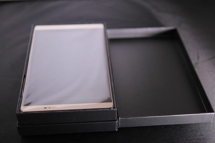 Huawei MediaPad M2 8.0 Wi-Fiモデル開封1