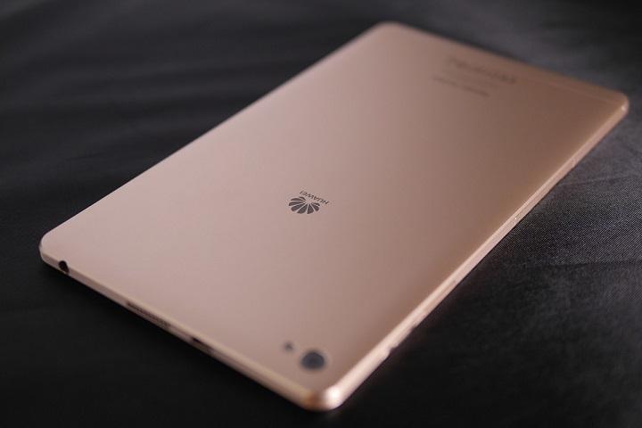 Huawei MediaPad M2 8.0 Wi-Fiモデル本体1