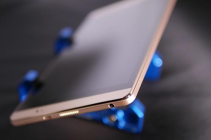 Huawei MediaPad M2 8.0 Wi-Fiモデル本体3