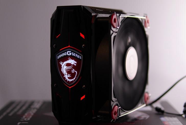 MSI CORE FROZR Lの付属カバー黒でファン回転中