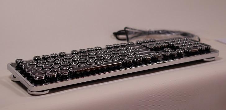 上海問屋 USB接続 タイプライター風ゲーミングキーボード本体2