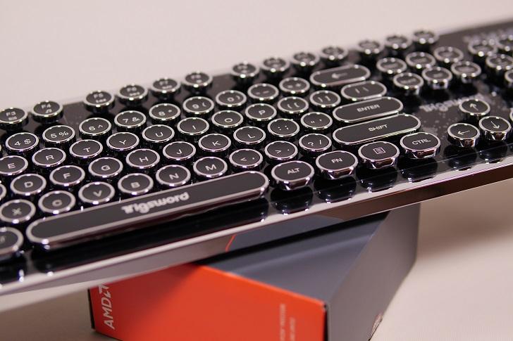 上海問屋 USB接続 タイプライター風ゲーミングキーボード本体3