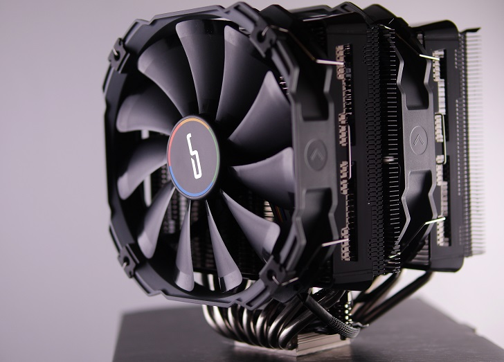 CRYORIG R1 ULTIMATE本体、その1