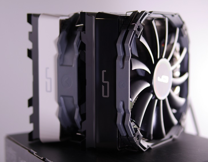 CRYORIG R1 ULTIMATE、その1