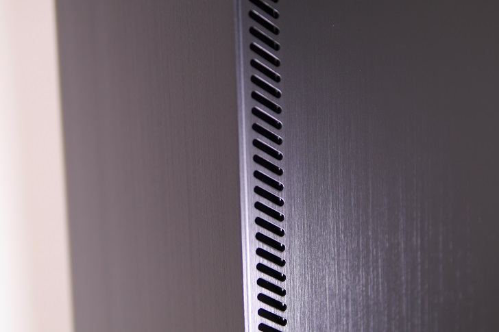 JONSBO U4BKの表面仕上げ、その1