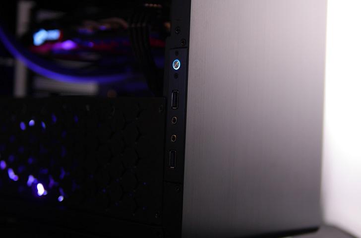 AMD RyZEN7 1700Xを使った黒パソコンの光具合、その2
