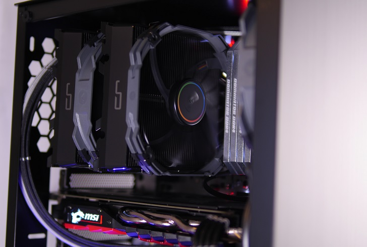 AMD RyZEN7 1700Xを使った黒パソコンの光具合、その5