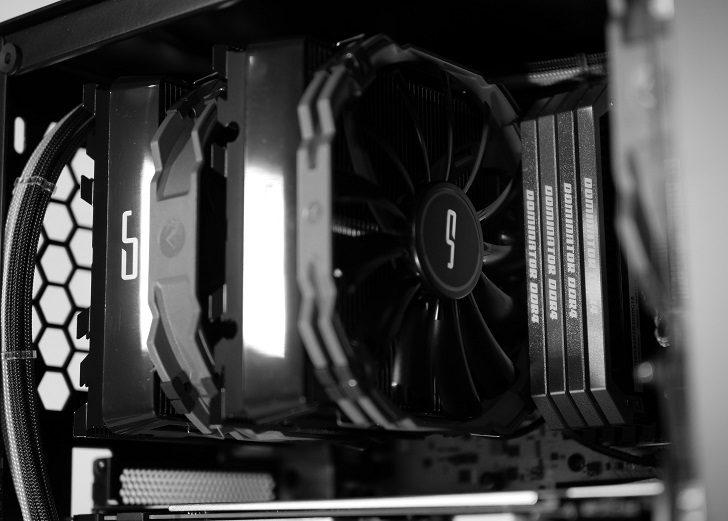 黒パソコン完成!見た目から!