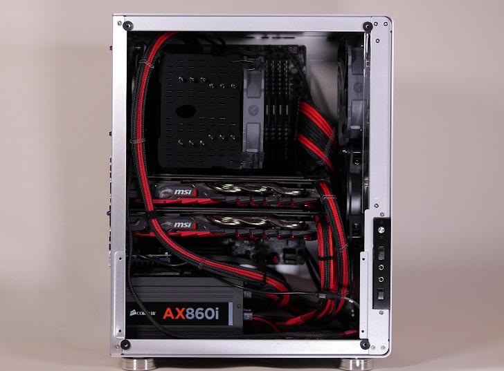 銀色パソコン、その1
