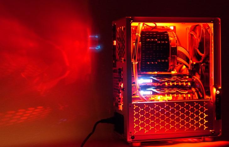 銀色パソコンを赤く光らせた、その3