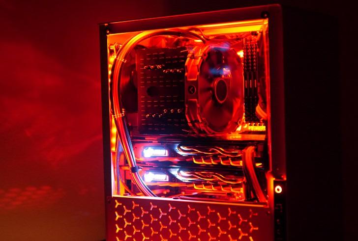 銀色パソコンを赤く光らせた、その4
