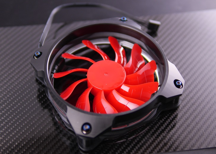 "Novonest PCケースファン【赤】にMNPCTECH 120mm Overkill ""Ring"" PC Fan Grillを取り付け、その1"
