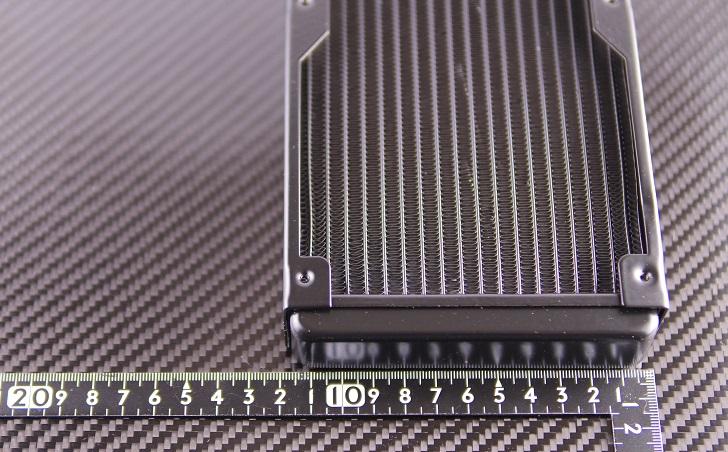 uxcell 水冷式ラジエーターサイズ、横その2