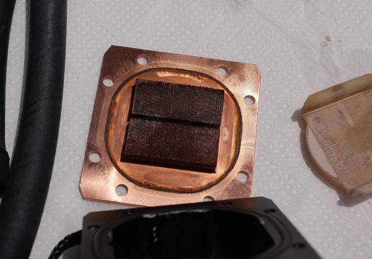 ENERMAX ELC-LT120X-HPのウォーターブロックを分解、その4