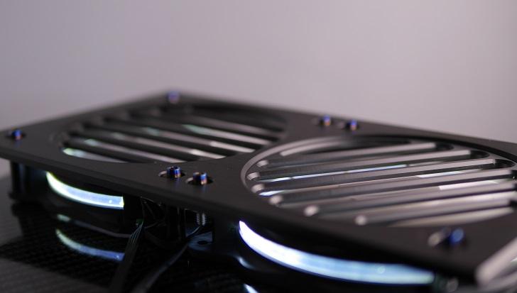 Mnpctech Billet Aluminum Radiator Grillsにファンを取り付け、その4