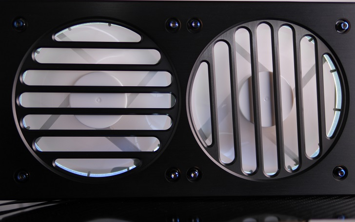 Mnpctech Billet Aluminum Radiator Grillsにファンを取り付け、その5