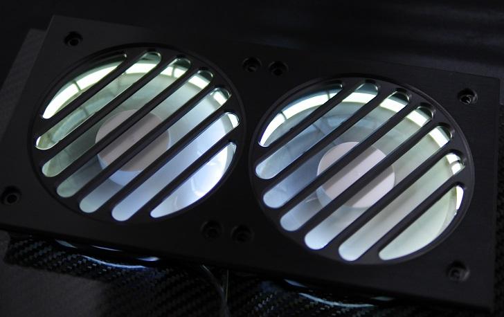 Mnpctech Billet Aluminum Radiator Grillsにファンを取り付け、その6