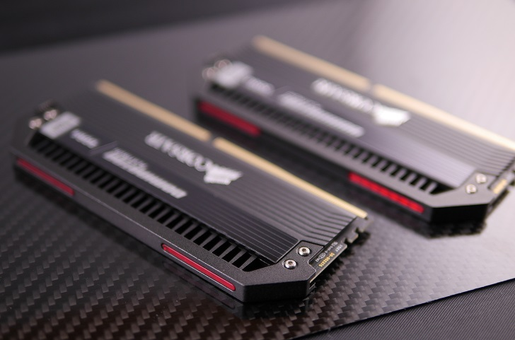 CableMod Memory Modding Kit for Corsair Dominator、その3