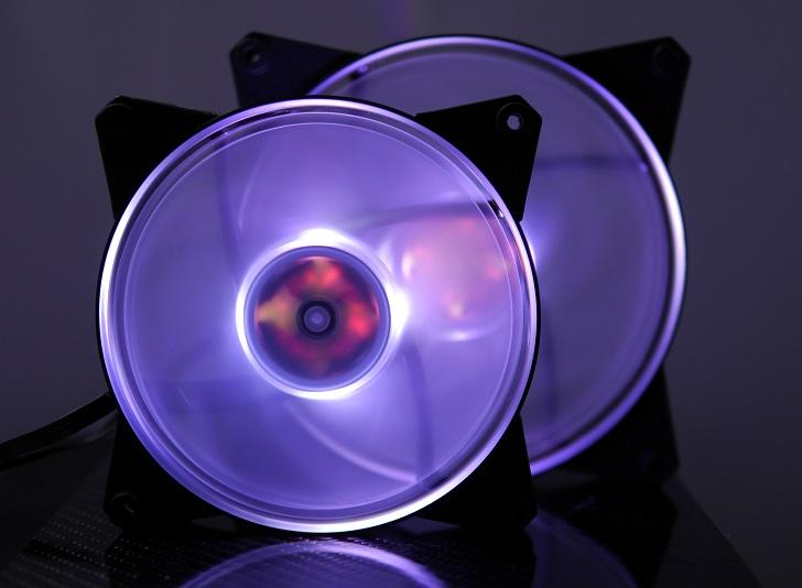 CoolerMaster MasterFan Pro Air Pressure RGBの光具合、その5