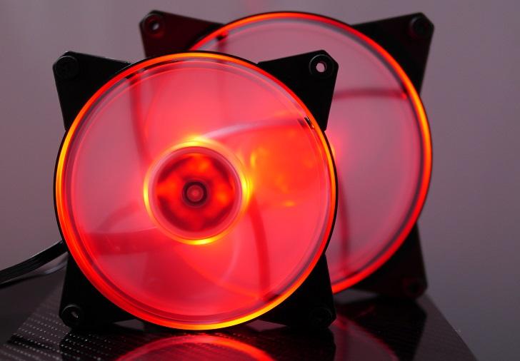 CoolerMaster MasterFan Pro Air Pressure RGBの光具合、その6