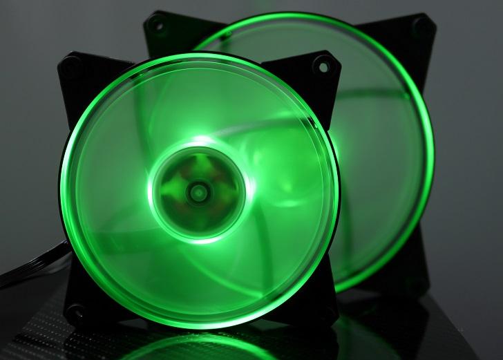 CoolerMaster MasterFan Pro Air Pressure RGBの光具合、その7