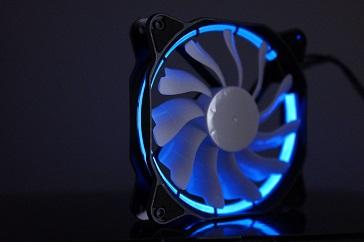 EasyDiy PCケースファンを光らせる、青、その2