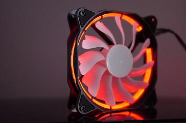 EasyDiy PCケースファンを光らせる、赤、その2