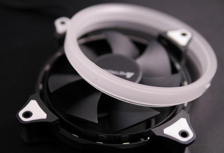 AMZtronics 12cm RGBカラーファンのリングは外す、その3