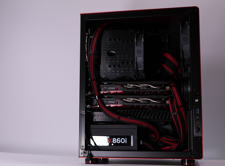 JONSBO U4 赤黒、その1