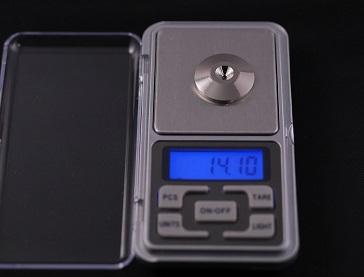 真鍮ロジウムメッキ 製 スパイクの重さ、その5