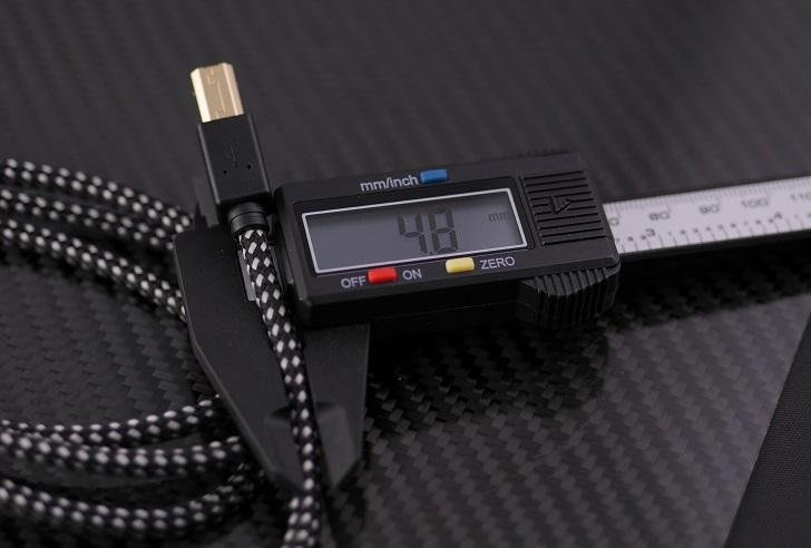 ハーモネット ブレイド USBケーブル2.0 A-B 1m、ケーブルの太さ