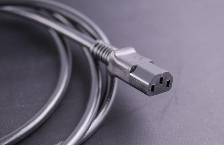 KOJO 3極 電源ケーブル Medusa / 2mのインレット